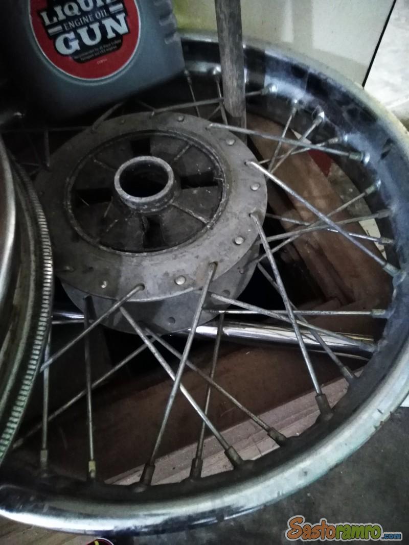 Royal Enfield Classic 350cc Wheels, Tyres & Rims