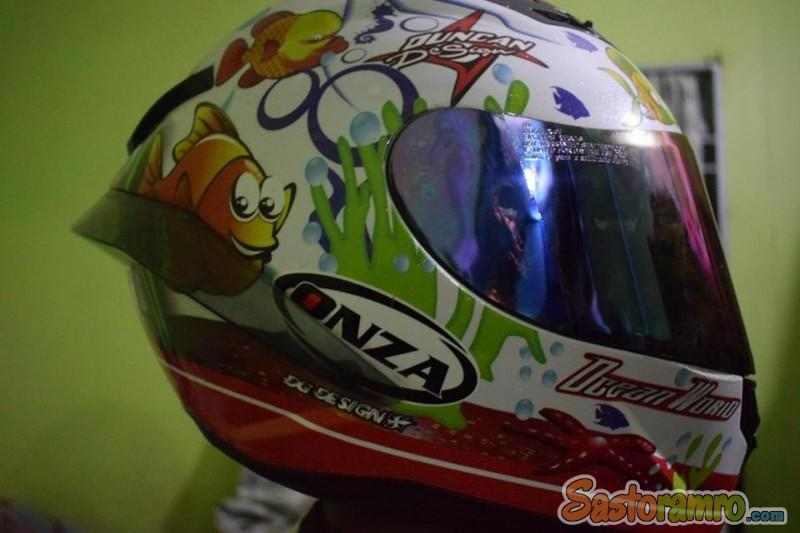 Onza Helmet