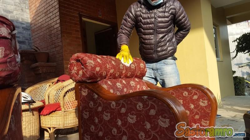 Sofa and chair cleaning service