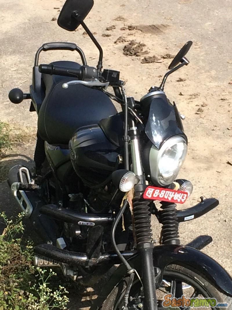 Bajaj Avenger Street 180cc