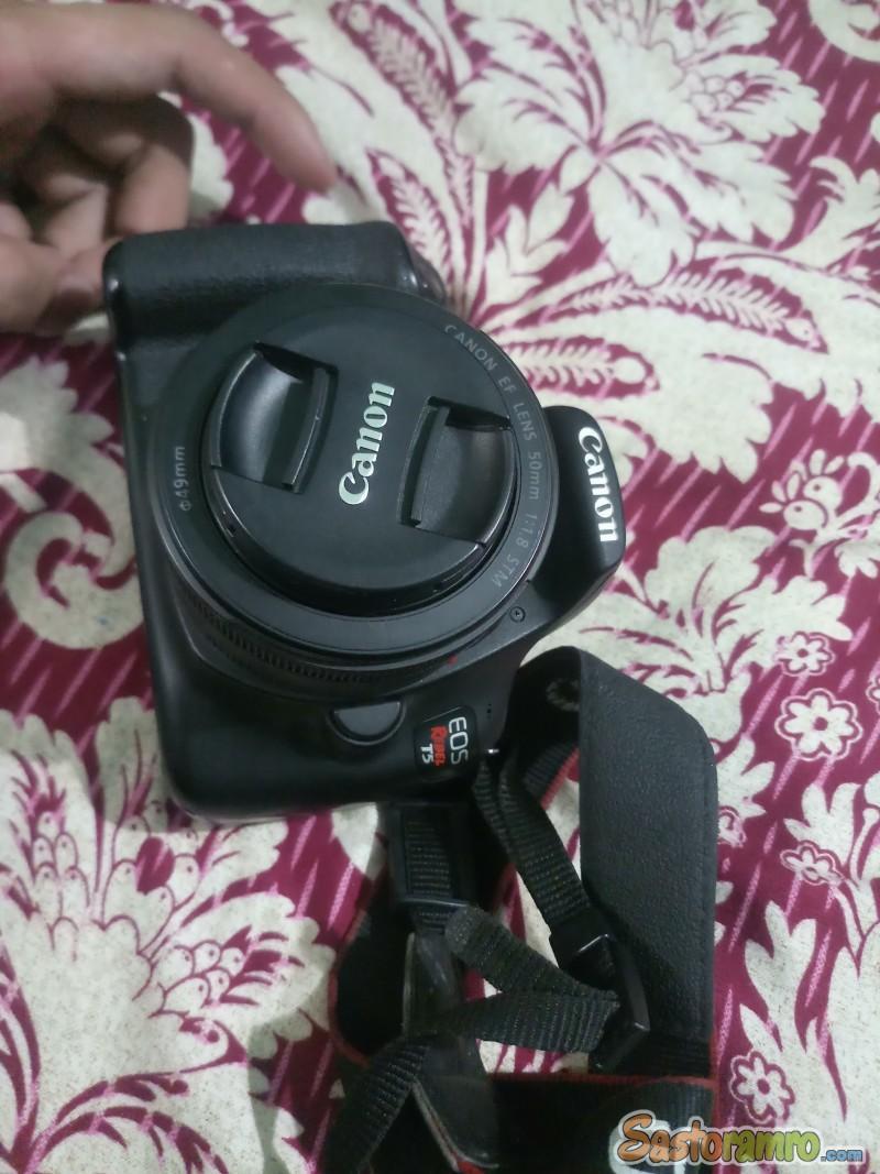 Canon T5 (1300D)