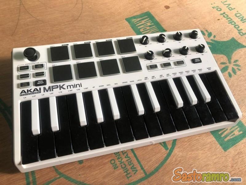 Akai Mpk Mini Mkii 25 Keys Almost New