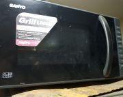 sanyo micro oven