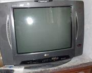 Working LG T.V for sale (TV case free)