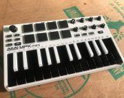 Akai Mpk Mini Mkii 25 Keys Almost New